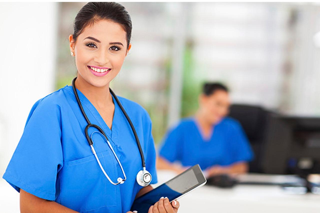 Read more about the article Exerço a função de auxiliar/técnico de enfermagem e minha aposentadoria foi negada pelo INSS. O que eu faço?
