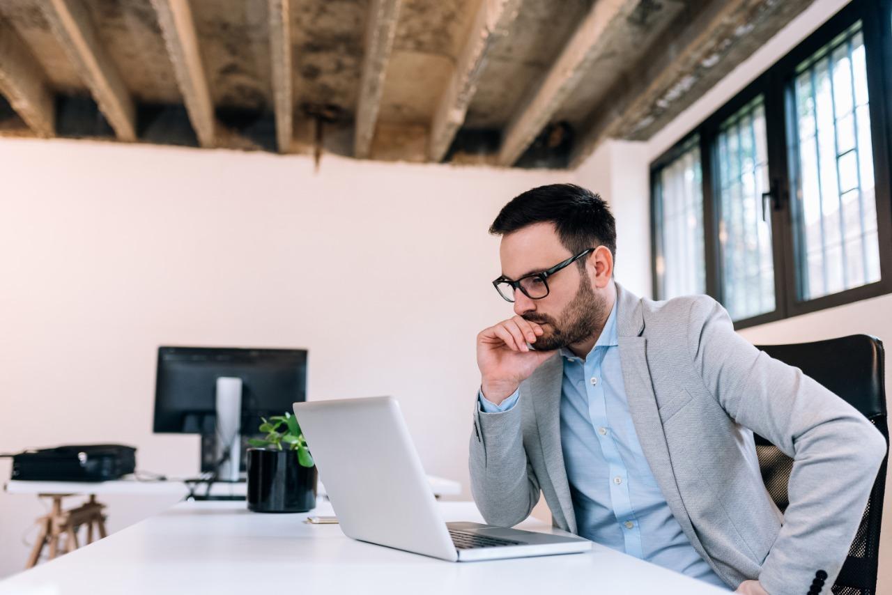 Read more about the article Citação em uma ação trabalhista por dívidas com ex-empregado de uma empresa onde fui sócio. O que eu faço?